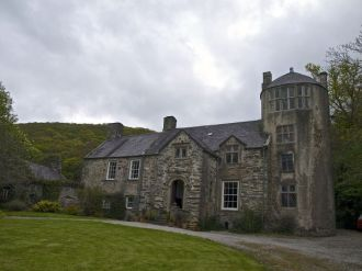 Pen-y-Bryn-Aber Manor House in Wales